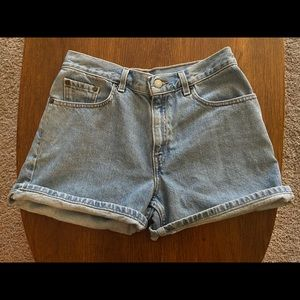 The perfect pair of Levi's jean shorts